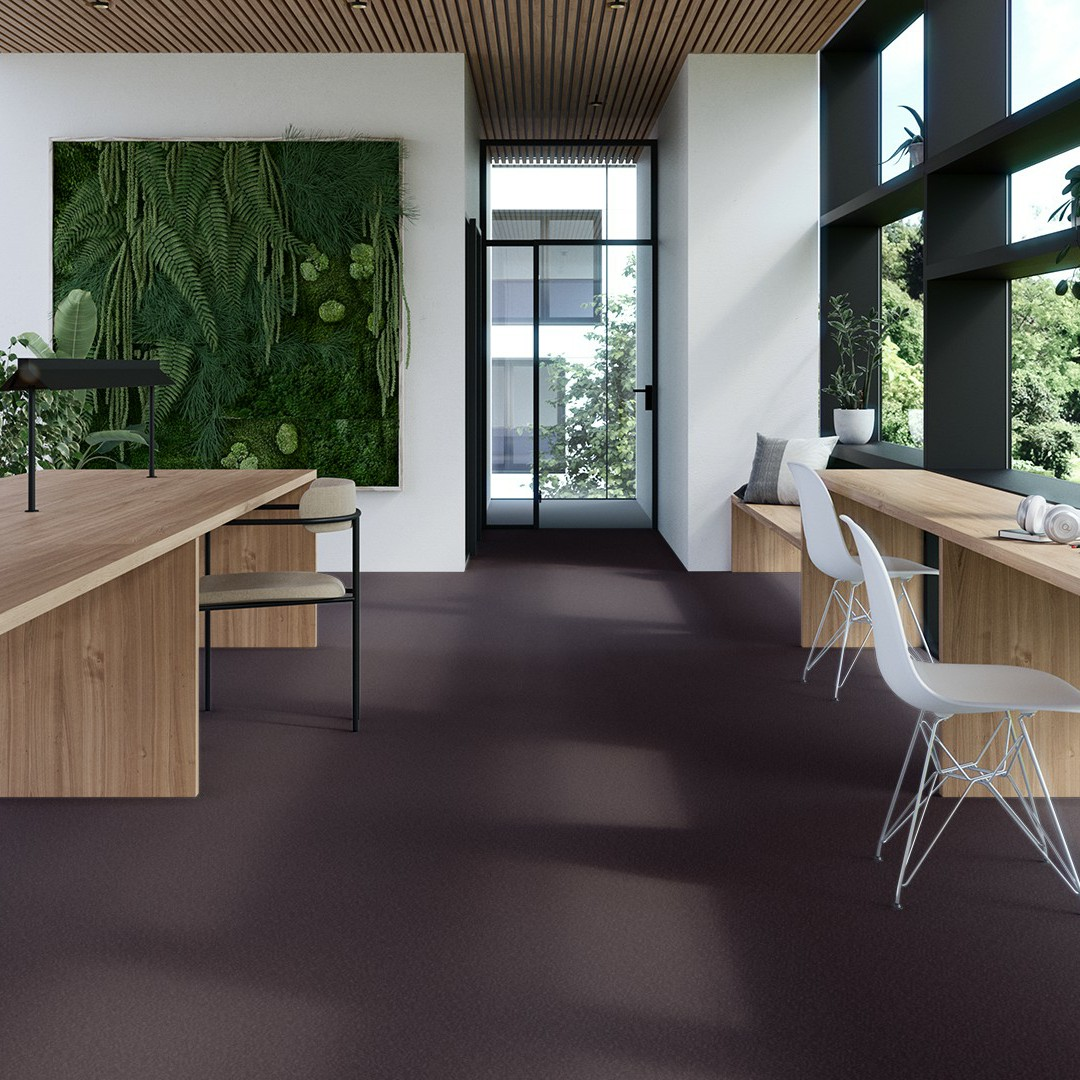 Epoca Moss  WT  dark plum Roomview 4